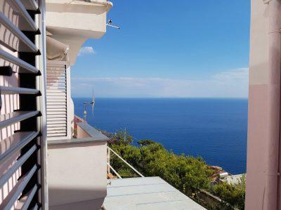 Vendita\Affitto - Amalfi , località lone , in parco , 45 mq + posto auto
